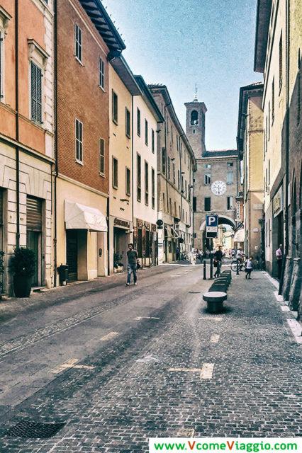 via appia e torre dell'orologio ad Imola