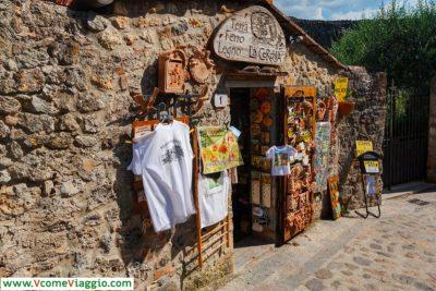 negozio di souvenir a monteriggioni