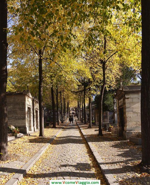 viale del cimitero di Pere Lachaise